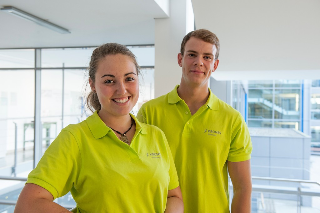 Trainee at fair LCS Team: Making sure everything runs smoothly – Julia and Fred get involved