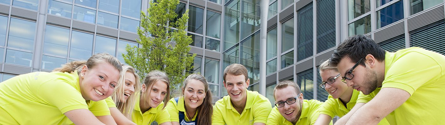 Trainee at fair: sustainability sounds good!  – But what exactly is behind it?
