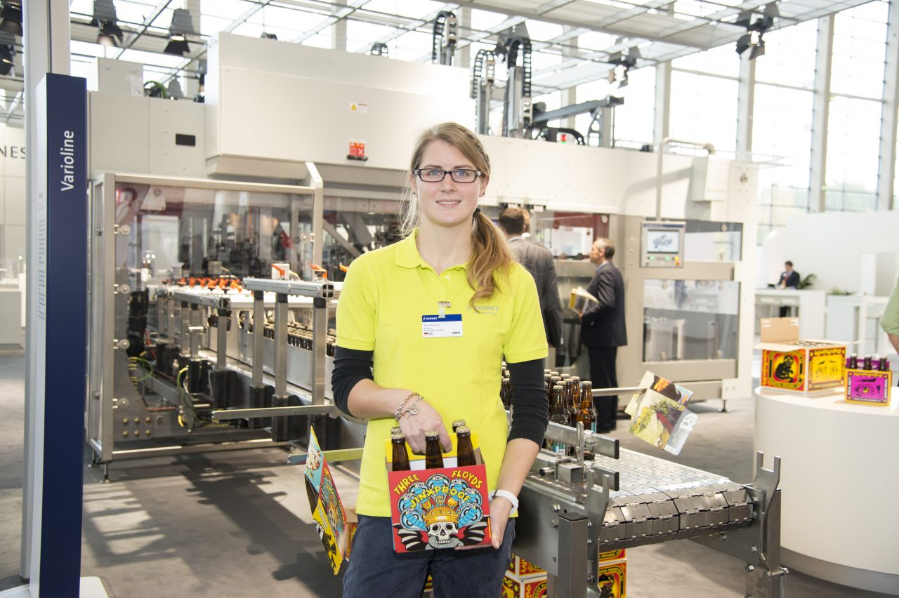 Trainee at fair: Frauen und Technik…