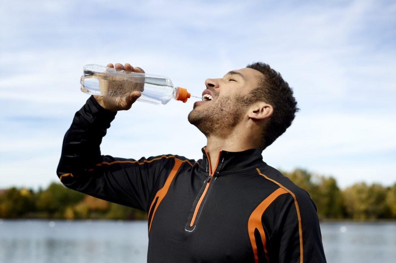 Flaschenphilosophie – Mensch, Wasser und Konsum