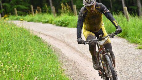 Mountain-biking, martial arts, diving – sport as a counterbalance